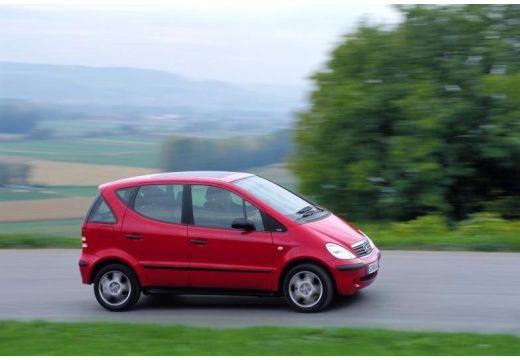 MERCEDES-BENZ Klasa A hatchback czerwony jasny przedni prawy
