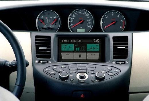 NISSAN Primera IV hatchback tablica rozdzielcza