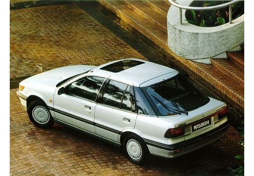 MITSUBISHI Lancer 1500 GLXi Hatchback I 1.5 90KM (benzyna)