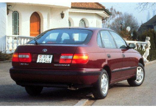 Toyota Carina hatchback tylny prawy