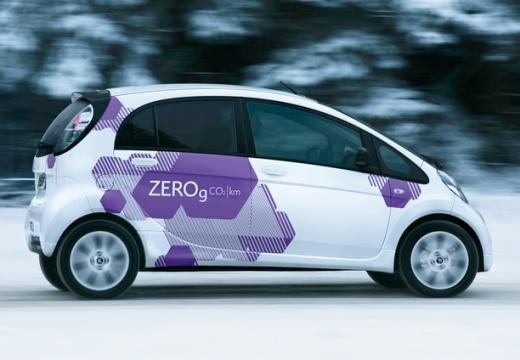 CITROEN C-ZERO hatchback biały boczny prawy