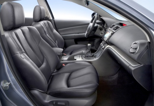 MAZDA 6 sedan wnętrze