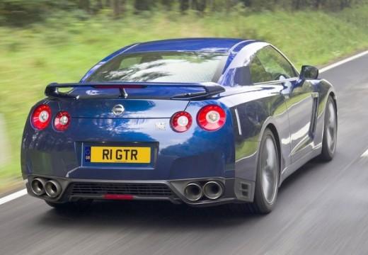 NISSAN GT-R coupe niebieski jasny tylny prawy