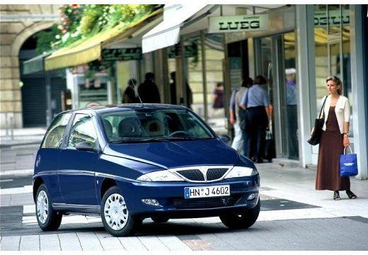 LANCIA Y I hatchback niebieski jasny przedni prawy
