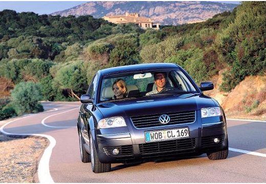 VOLKSWAGEN Passat IV sedan niebieski jasny przedni prawy