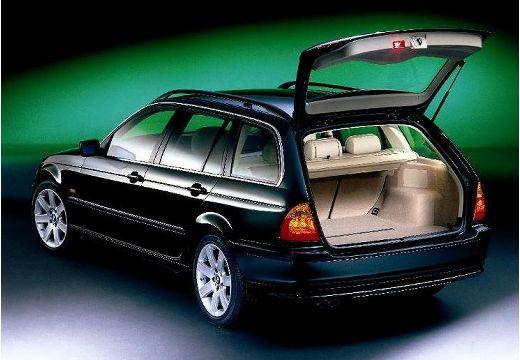 BMW Seria 3 kombi czarny przestrzeń załadunkowa