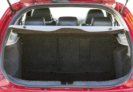 ALFA ROMEO 147 hatchback przestrzeń załadunkowa