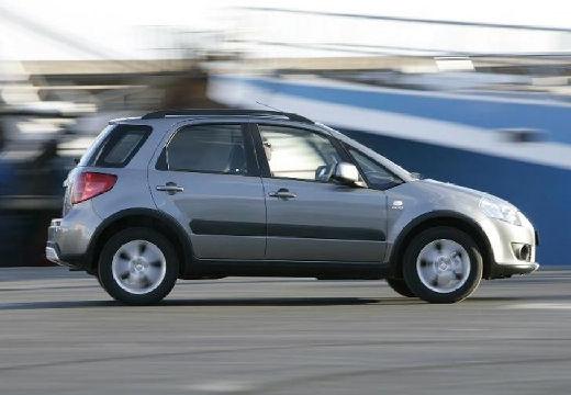 SUZUKI SX4 I hatchback silver grey boczny prawy