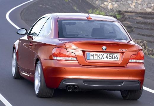 BMW Seria 1 E82 I coupe pomarańczowy tylny lewy