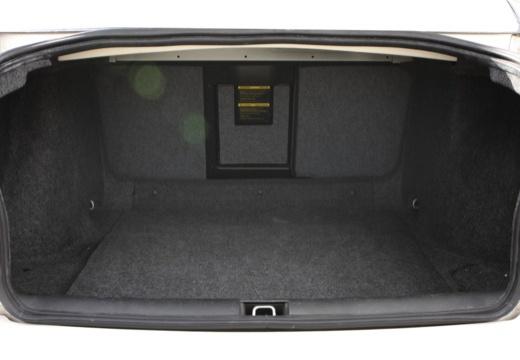SAAB 9-5 II sedan przestrzeń załadunkowa