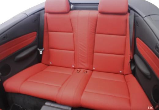 BMW Seria 1 Cabrio E88 I kabriolet wnętrze