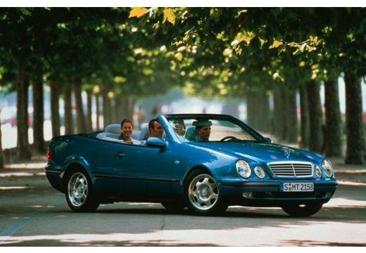 MERCEDES-BENZ Klasa CLK CLK Cabriolet A 208 kabriolet zielony przedni prawy
