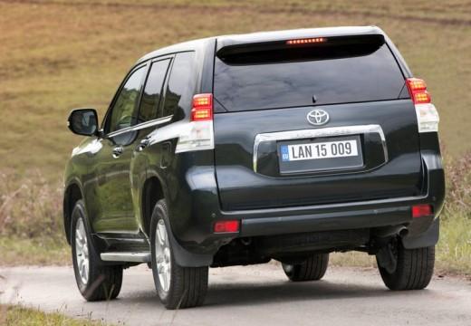 Toyota Land Cruiser 150 I kombi czarny tylny lewy
