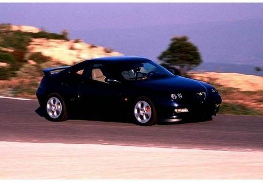 ALFA ROMEO GTV coupe czarny przedni prawy