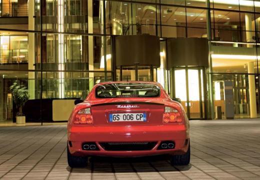 MASERATI 4200 coupe czerwony jasny tylny