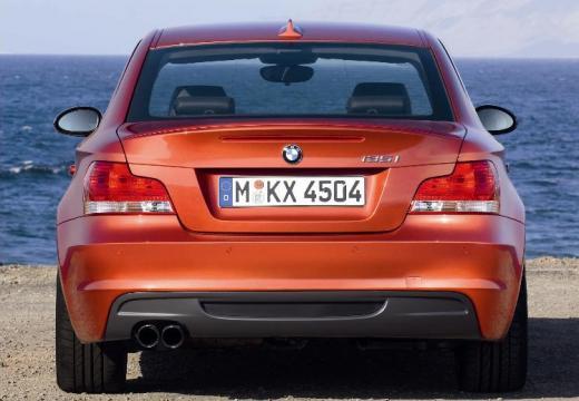 BMW Seria 1 E82 I coupe pomarańczowy tylny