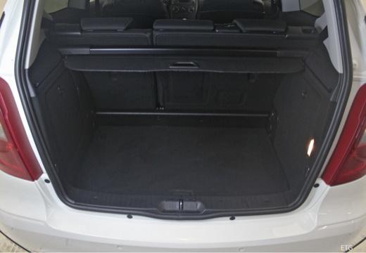 MERCEDES-BENZ Klasa A W 169 II hatchback przestrzeń załadunkowa