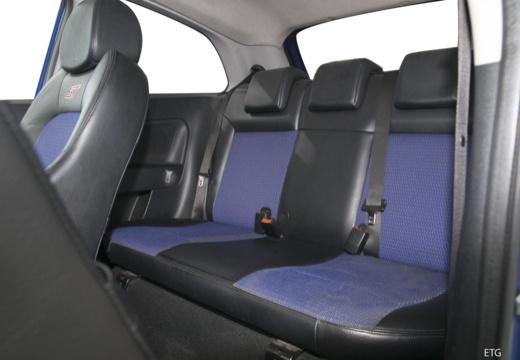 FORD Fiesta VI hatchback wnętrze