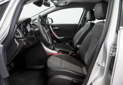 OPEL Astra IV ST II kombi biały wnętrze