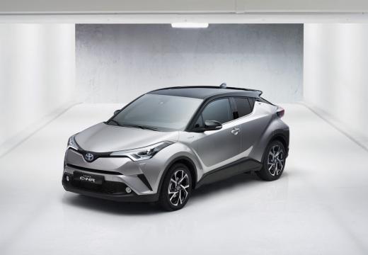 Toyota C-HR hatchback silver grey górny przedni