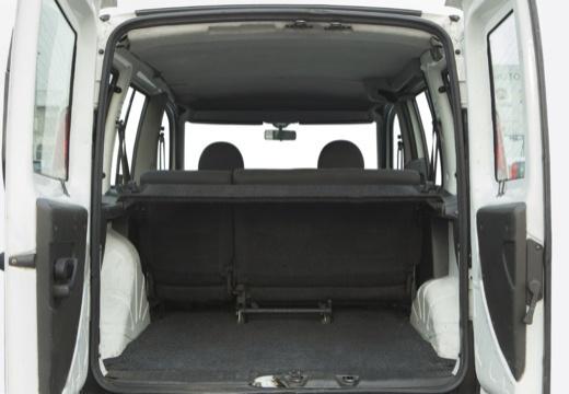 FIAT Doblo II kombi biały przestrzeń załadunkowa