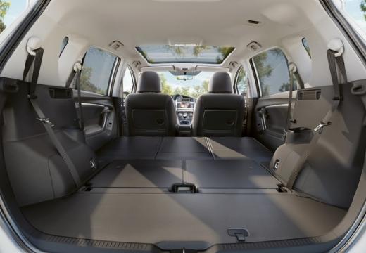 Toyota Verso II kombi mpv przestrzeń załadunkowa