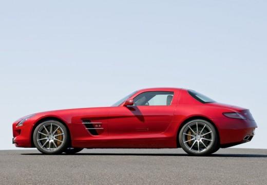 MERCEDES-BENZ SLS coupe czerwony jasny boczny prawy