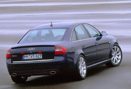 AUDI A6 /S6 4B II sedan czarny tylny prawy
