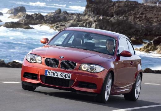BMW Seria 1 coupe pomarańczowy przedni lewy