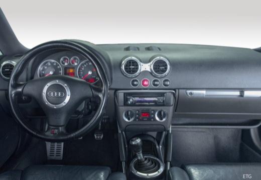 AUDI TT 8N coupe tablica rozdzielcza