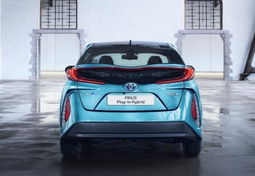 Toyota Prius hatchback niebieski jasny tylny
