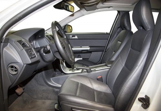 VOLVO V50 kombi biały wnętrze