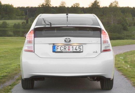 Toyota Prius II hatchback biały tylny