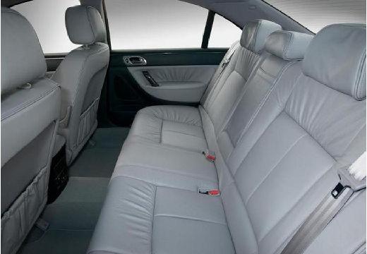 PEUGEOT 607 II sedan wnętrze