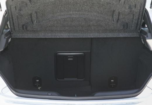 ALFA ROMEO Giulietta III hatchback przestrzeń załadunkowa