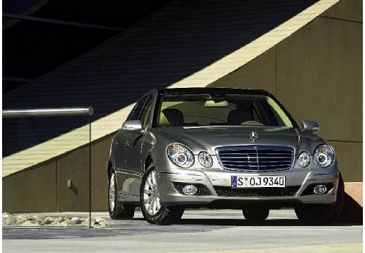 MERCEDES-BENZ E 220 CDI Elegance Sedan W 211 II 2.2 170KM (diesel)