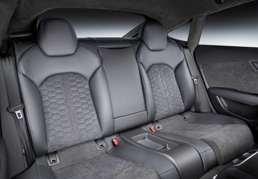 AUDI A7 hatchback niebieski jasny wnętrze