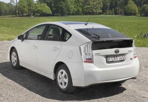Toyota Prius II hatchback biały tylny lewy