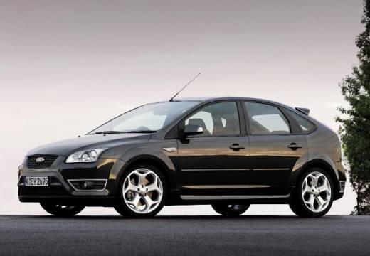 FORD Focus III hatchback czarny przedni lewy