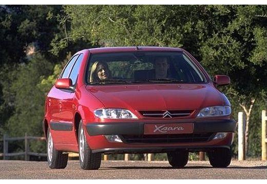 CITROEN Xsara I hatchback bordeaux (czerwony ciemny) przedni prawy