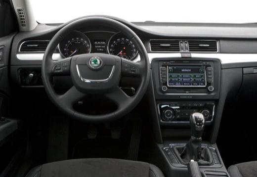SKODA Superb III hatchback tablica rozdzielcza
