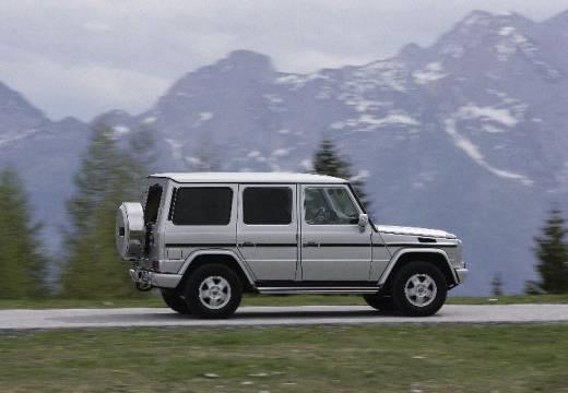 MERCEDES-BENZ Klasa G 463 III soft top silver grey tylny prawy