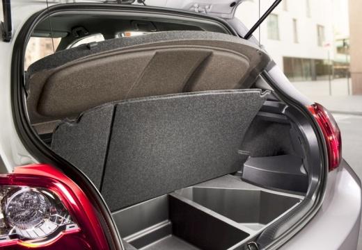 Toyota Auris II hatchback przestrzeń załadunkowa