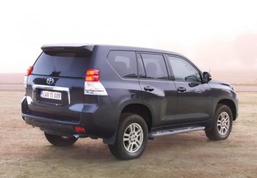 Toyota Land Cruiser V8 II kombi czarny tylny prawy