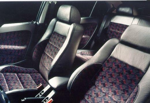 HONDA Civic III hatchback wnętrze