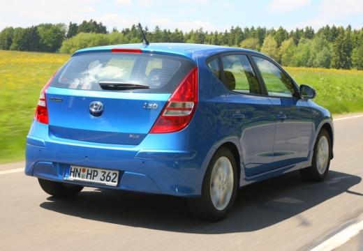 HYUNDAI i30 II hatchback niebieski jasny tylny prawy