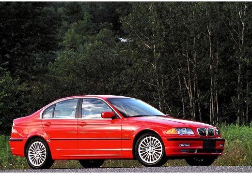 BMW Seria 3 sedan czerwony jasny przedni prawy