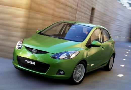 MAZDA 2 II hatchback zielony przedni lewy