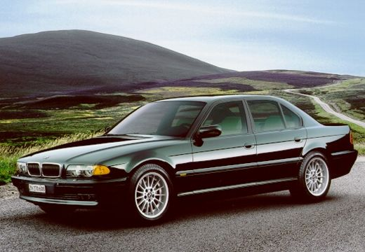 BMW Seria 7 E38 sedan zielony przedni lewy