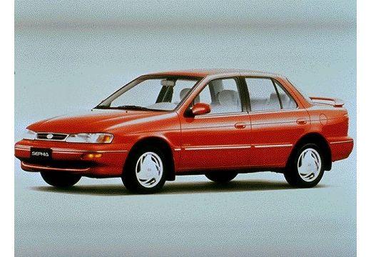 KIA Sephia sedan czerwony jasny przedni lewy